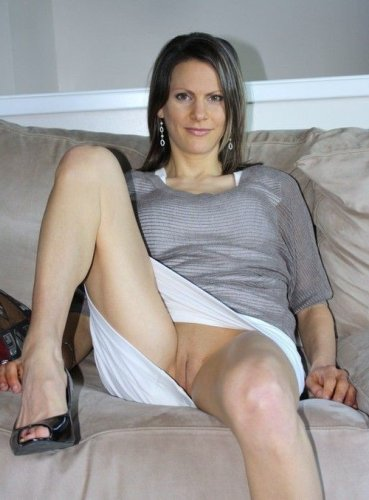 nymphomane Hausfrau sucht Sextreffen und will privat ficken!