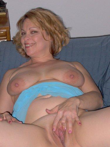 Blonde Milf privat ficken bei Sextreffen